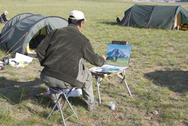 Magvandorj painting on location