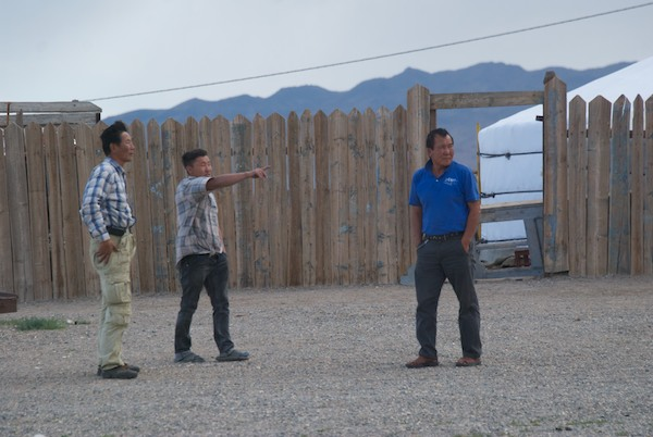 We came to the soum center of Baatsagaan, located not far from Boon Tsagaan Nuur. No petrol available and I think at this point the drivers found out what was ahead of us...