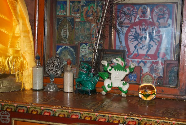 Altar figurines.