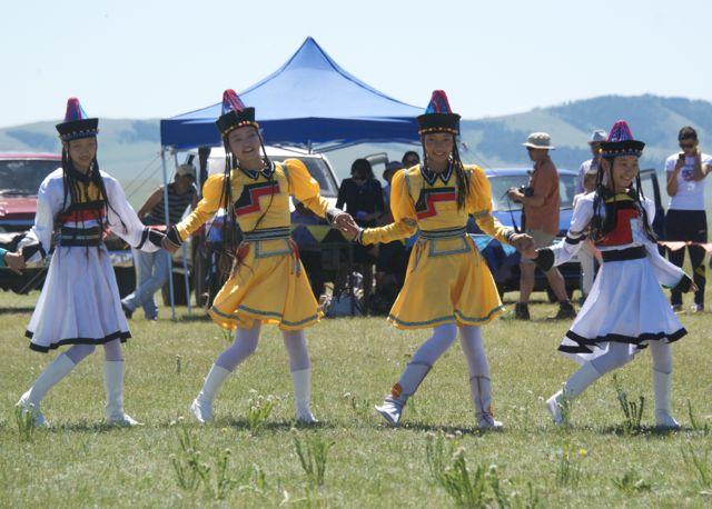 buryat dancers 2