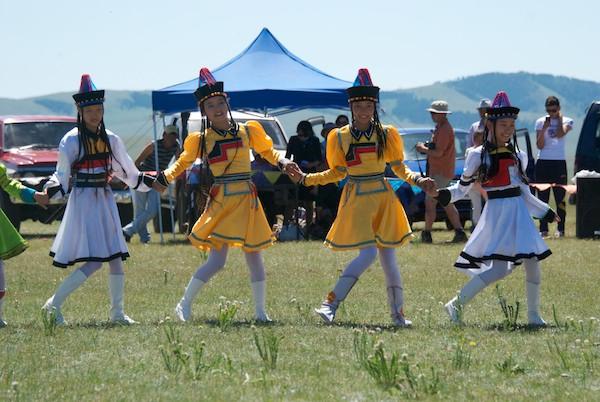 Buryat dancers