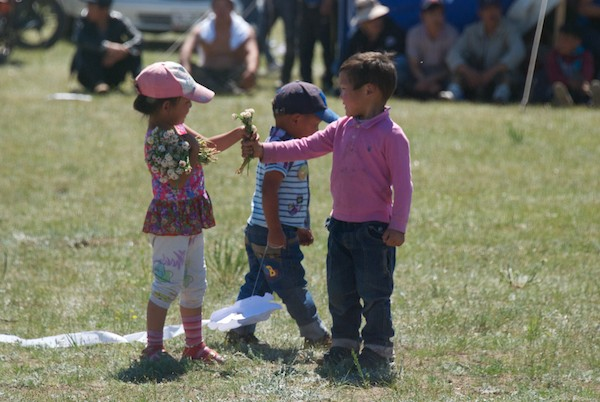 During the break between rounds, these kids came out into the arena and picked flowers.