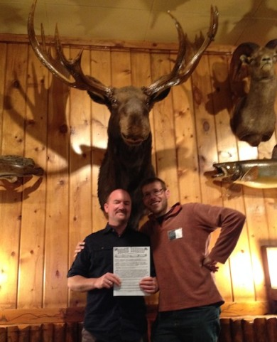 Guy Combes discovered a flyer for the workshop in a local newsletter so of course there had to be a photo. And since we're all animal artists I had to take one of him and his partner Andrew Denman posed under this imposing moose head.