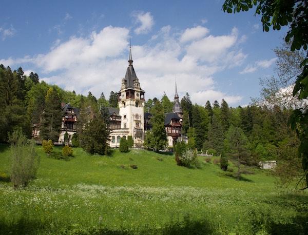 6 castle manor