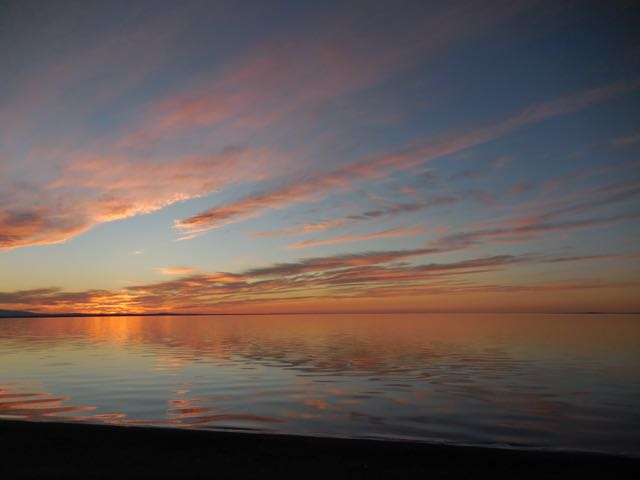 Dorgon Nuur at sunset