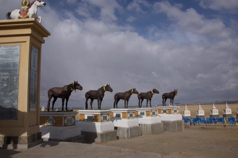 8. race horse statues