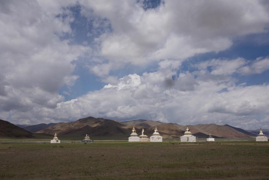 25-stupas